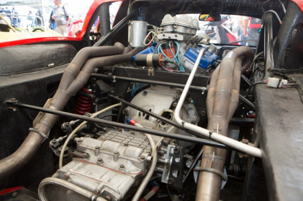 ligier-js1-ENGINE v6 Ford.jpg