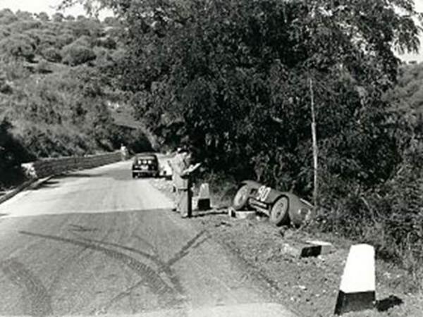 Maserati 200 S crash.jpg