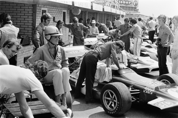 Pits_at_1970_Dutch_Grand_Prix - Copie.jpg